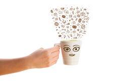 Café-taza con los medios iconos dibujados mano Fotos de archivo libres de regalías