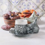 Café turc traditionnel café dans le vintage oriental de style Photo stock