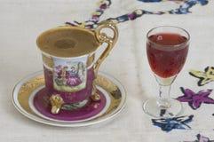 Café turco e licor Fotografia de Stock