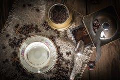 Café turco en el pote de cobre del coffe foto de archivo libre de regalías