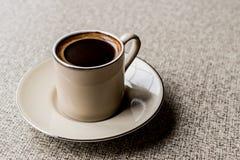 Café turco en una taza Fotografía de archivo