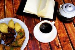 Café turco y placeres turcos en la tabla Fotos de archivo