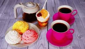 Café turco y placeres turcos en la tabla Imagen de archivo