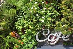 Café unterzeichnen herein Paris Lizenzfreie Stockbilder