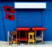 Café vacío de la calle en la playa imagen de archivo libre de regalías