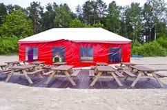 Café vide de plage de station de vacances de mer d'été Images stock