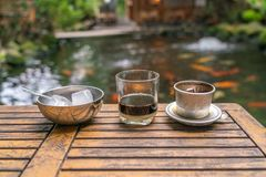 Café vietnamiano tradicional com leite condensado fotografia de stock royalty free