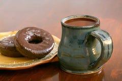Café y anillos de espuma Fotos de archivo libres de regalías