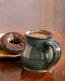 Café y anillos de espuma Fotos de archivo
