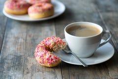 Café y anillos de espuma Imagen de archivo libre de regalías