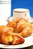 Café y croissant imagen de archivo libre de regalías