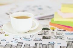 Café y primer de las etiquetas engomadas Imagen de archivo libre de regalías