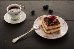 Café y torta con la fruta Imagenes de archivo