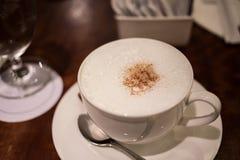 Caféaufenthaltsraum lizenzfreies stockbild