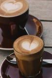 Cafés, à plat blanc et de petite flûte Image libre de droits