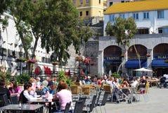 Cafés del pavimento, Gibraltar fotos de archivo