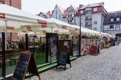 Cafés et restaurants provisoires dans Kolobrzeg Photo stock