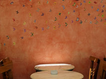 Cafétabelle und -stühle Lizenzfreies Stockbild