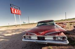 Cafézeichen entlang historischem Route 66 Stockfotografie