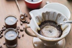 Café d'égouttement de filtre Photo stock