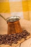 Café e chaleira Fotos de Stock Royalty Free