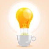 Café fresco do negócio da ideia do copo da lâmpada Fotografia de Stock