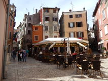 CAFE AND BUILDINGS IN OLD TOWN, ROVINJ, CROATIA Stock Photos