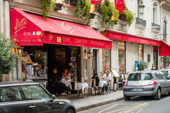 Cafe Flottes in central Paris with people eating outside Stock Photography