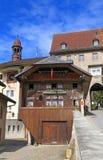 Cafe Le Chalet nel villaggio svizzero Gruyeres, Svizzera Fotografie Stock Libere da Diritti