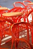 cafen chairs tabellen Royaltyfria Foton