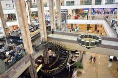 Cafetaria e restaurante dentro da alameda de Palas Fotografia de Stock Royalty Free