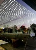 Cafetería-barra moderna en el temprano de la mañana Fotografía de archivo libre de regalías