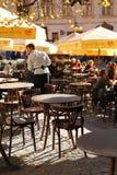 Cafetería en la calle en el día del sol Fotografía de archivo libre de regalías