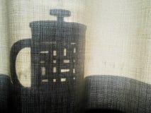Cafetière d'ombre Photographie stock libre de droits