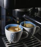 Caffè espresso i tazzina fotografering för bildbyråer