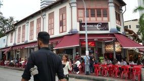 Caffè affascinante del Kampong in via araba Singapore, vicino al sultano di Masjid o a Sultan Mosque video d archivio