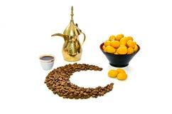Caffè arabo con la frutta della data Fotografia Stock