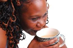 Caffè bevente della donna Immagine Stock