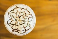 Caffè caldo con la guarnizione del cioccolato Immagine Stock Libera da Diritti