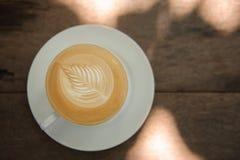 Caffè caldo di arte del cappuccino Fotografie Stock Libere da Diritti