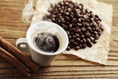 Caffè caldo di fumo Fotografia Stock Libera da Diritti