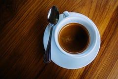 Caffè caldo in una tazza Immagine Stock Libera da Diritti
