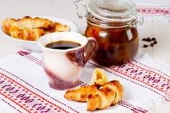 Caffè con i croissant Fotografie Stock