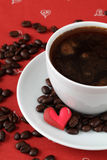Caffè con i cuori e i caffè-fagioli Immagine Stock Libera da Diritti