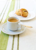 Caffè con il croissant fotografia stock