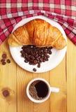 Caffè con il croissant Immagini Stock Libere da Diritti