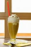 Caffè con il gelato e la panna montata Immagine Stock