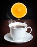 Caffè con l'arancio Fotografia Stock