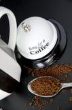 Caffè con la campana bianca dell'anello Fotografie Stock
