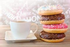 Caffè con le guarnizioni di gomma piuma Fotografie Stock